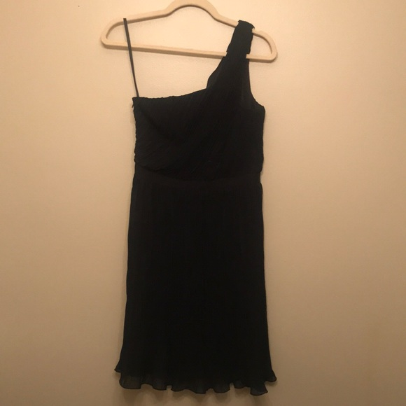 Club Monaco Dresses & Skirts - One-Shoulder Club Monaco Pleated Dress (Size 4)